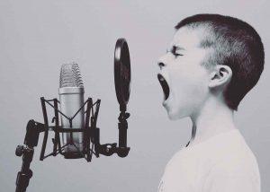 Las personas que gritan